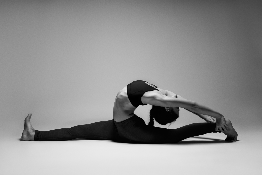 ONLY_VEGGIES_INSIDE_MARICHA_Hanumanasana